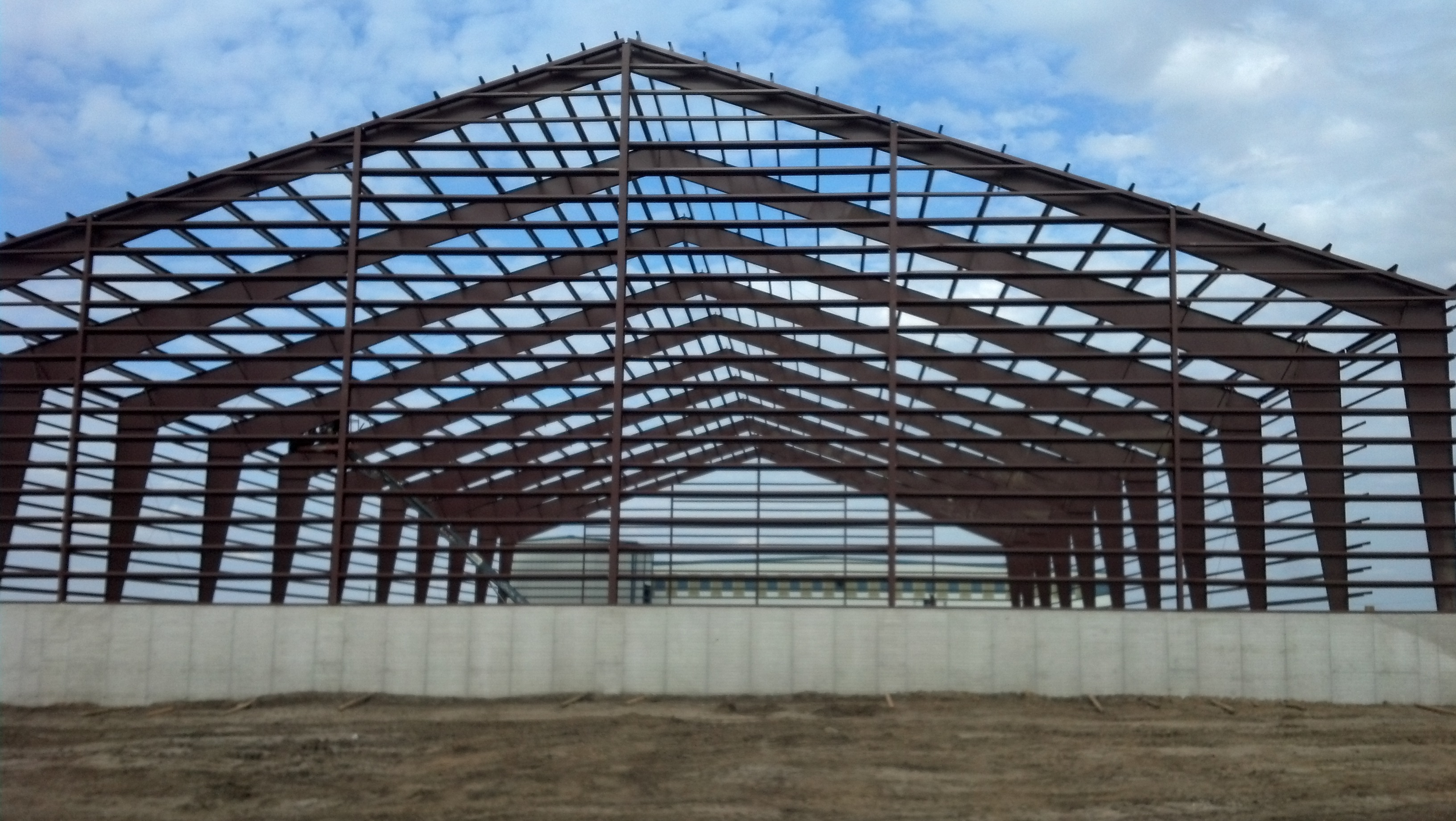 6 reasons to use a pre engineered building for Metal frame barn