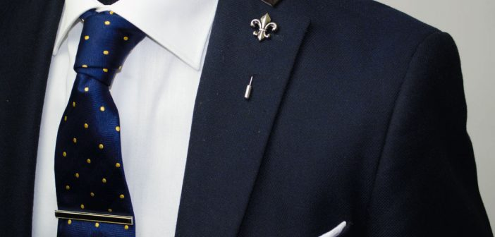 Top 4 Reasons to give Employees Lapel Pins for Recognition