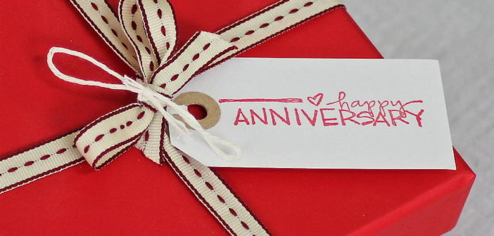 8 Unique Anniversary Gifts to Give Her This Year